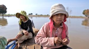 Daily life around the Tonle Sap River in Cambodia and potential changes is the subject in A River Changes Course.