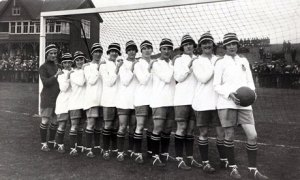 An English women's football team from 1920. Hard to believe the FA banned them for decades!