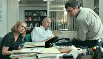 Spotlight stars Rachel McAdams, Michael Keaton and MArk Ruffalo as journalists ready to settle the score.
